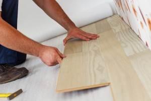 leggen van nieuwe vloer door vloerspecialist